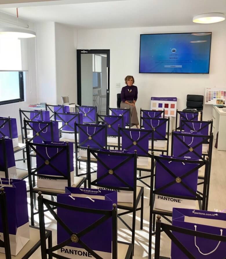 Fashion Color Experience: a learning day about color trends,color trends,tendencias de,behavior trends,colo of the year,ultraviolet,pantone,NY Fashion Tour,Fall 2018 trends,Spring 2019 trends,Crivorot Scigliano,Silvia Scigliano